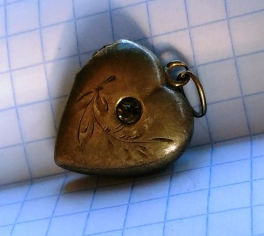 Кулон сердечко локет серебро старое 875 голова СССР