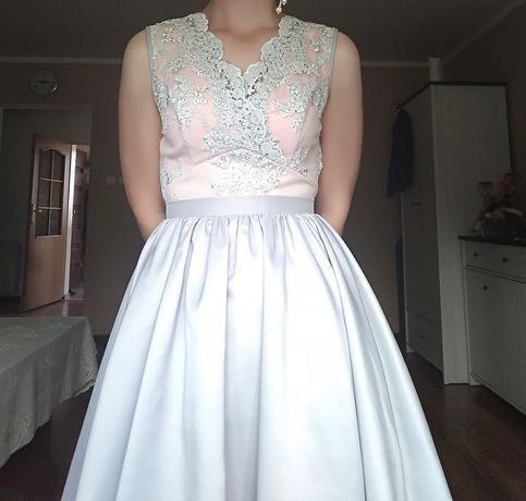 Sukienka szara różowa koronka