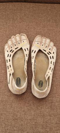 Пять пальцев мокасины кроссовки 39