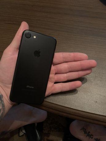 Продам Айфон 7 128гб