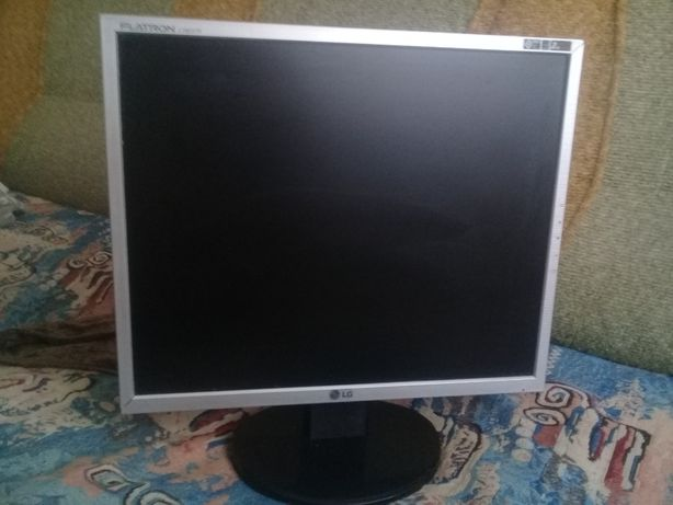монитор 19 дюймов LG Flatron L1953TR