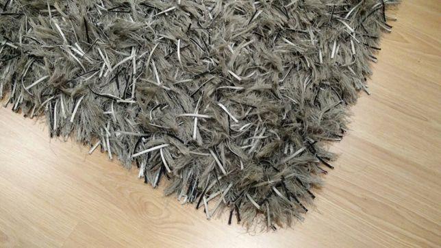 Vendo carpete de pêlo comprido