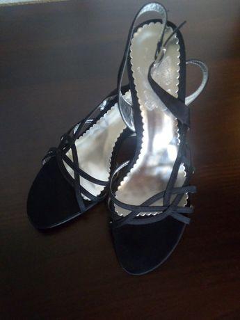 Sandałki na obcasie rozmiar 39