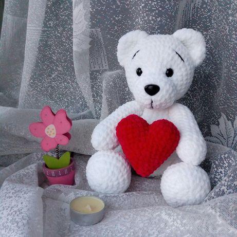 мишка с сердечком игрушка