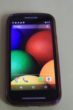 Телефон Motorola Moto E