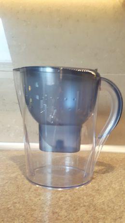 Dzbanek do filtrowania wody Brita Marella używany