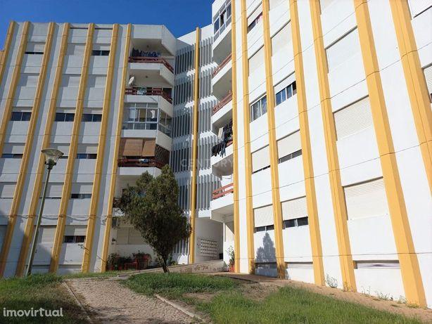 Magnifico apartamento T3, remodelado recentemente e mobilado – Praça d