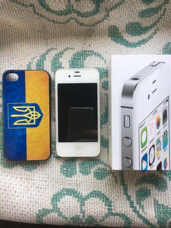 Айфон 4c в отличном состоянии