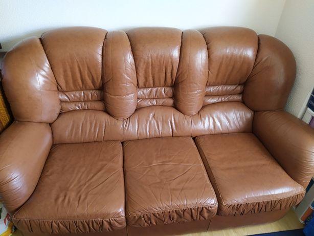 conjunto de sofas em pele genuina 3lugares + 2 individuais