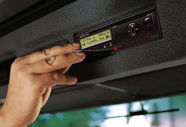 Odczyt danych z tachografu i karty kierowcy.Rozliczanie czasu kierowcy