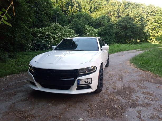 Auto do ślubu Dodge Charger