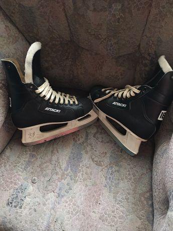 Łyżwy hokejowe Botas Attack 25,5 cm