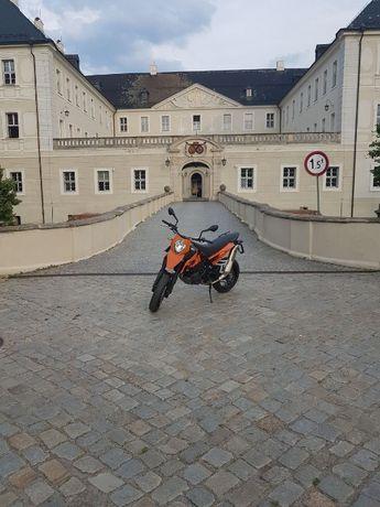 KTM 690 SM supermoto