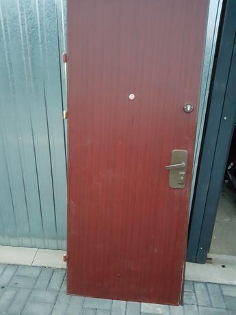 Drzwi stalowe z demontazu.