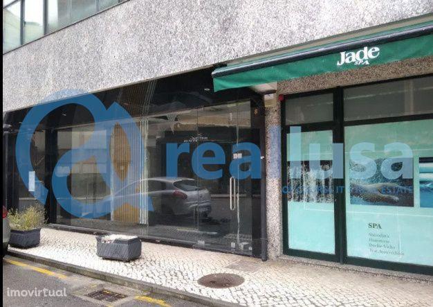 Loja para recuperar c/ Montra em São João da Madeira, Aveiro, Excelent