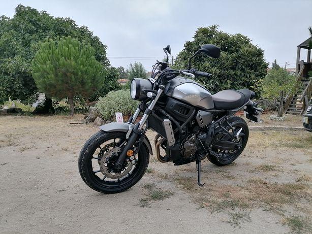 Yamaha xsr 700 irrepreensível 5750 kms