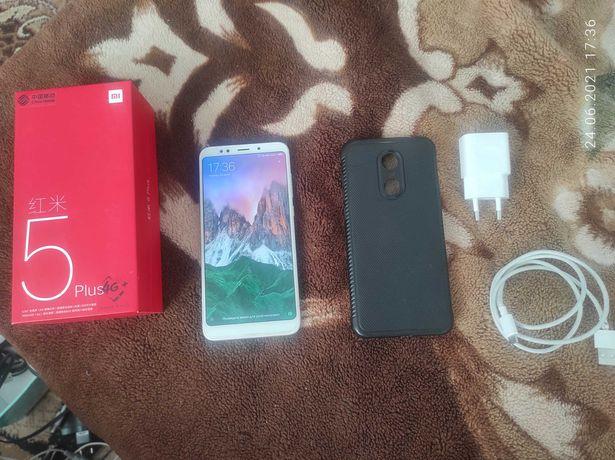 Xiaomi Redmi 5 Plus 4_64 GB зарядка коробка чехол