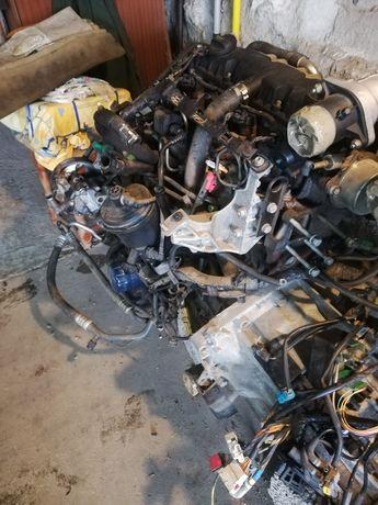 Sprzedam silnik skrzynia biegów citroen c5 2.0 hdi 110km 2001r
