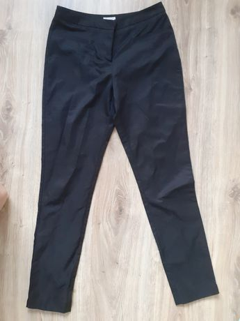 Czarne spodnie Solar 34