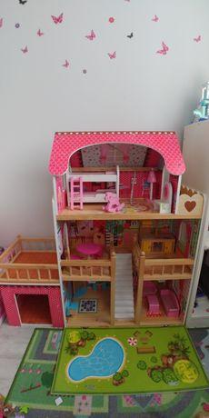 Domek dla lalek z garażem, drewniany