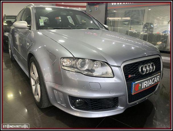 Audi RS4 Avant 4.2 V8