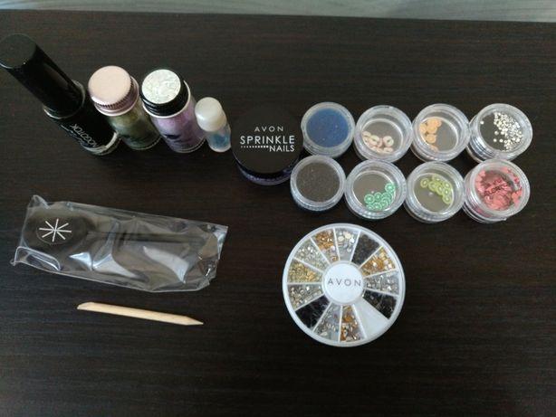 Подарок-набор аксессуаров/украшений для маникюра