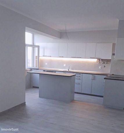 Apartamento T2 Remodelado Equipado Carregado
