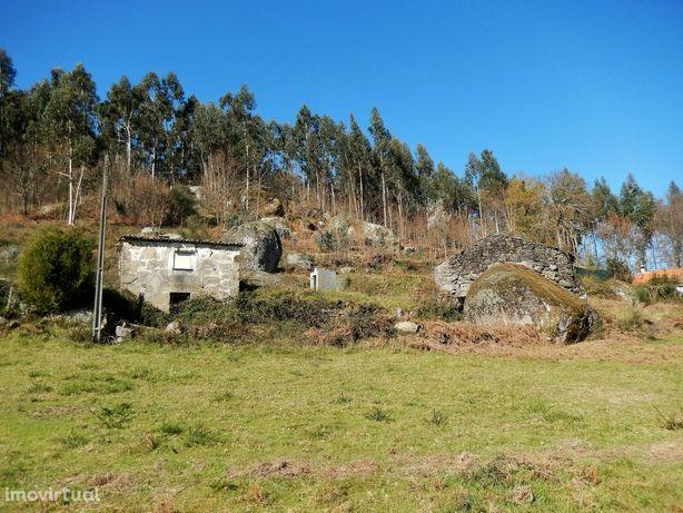 Moradia para Reabilitar em Padornelo, Paredes de Coura