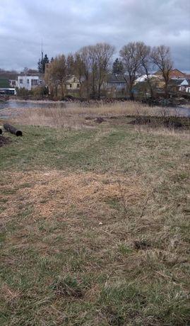Земельна ділянка над річкою
