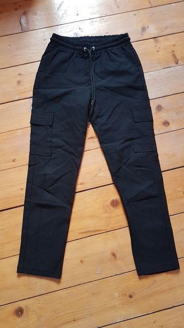 Spodnie z kieszeniami rozmiar L