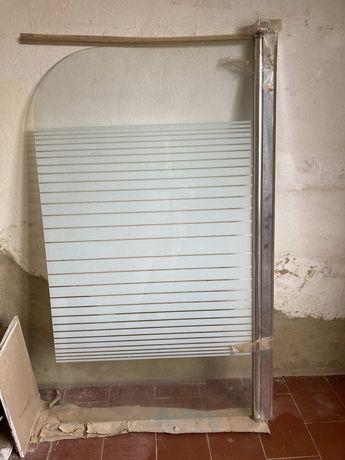 Resguardo de banheira em vidro temperado