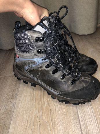 Продам горные ботинки Ecco недорого