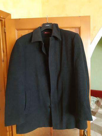 Класичне чоловіче пальто