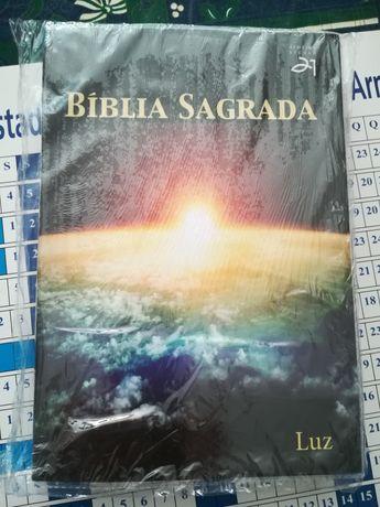 Bíblia Sagrada, nova selada.