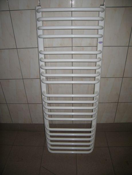 Grzejnik łazienkowy GORGIEL 1160 x 44