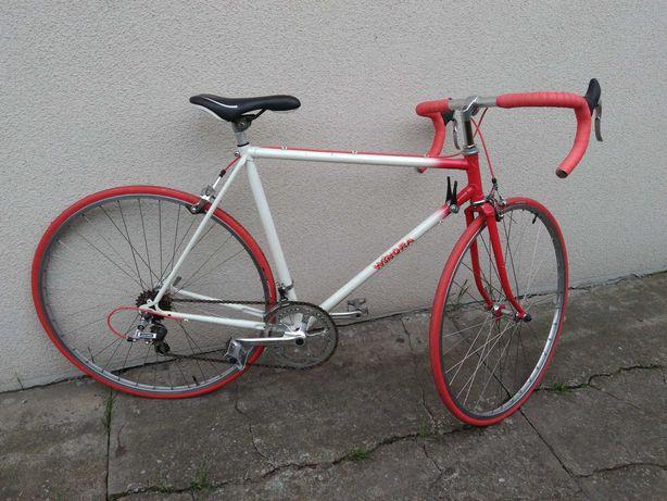 Rower szosowy kolarzowka Winora kolarka biała czerwona oldschool fajna