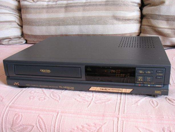 Видеомагнитофон JVC HR-D540EE (VHS)