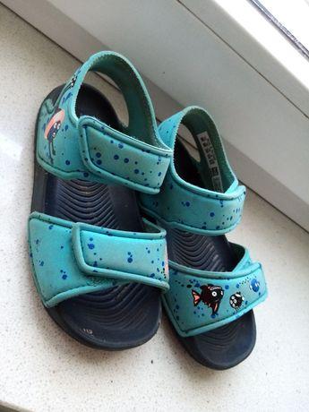 Sandały adidas 25
