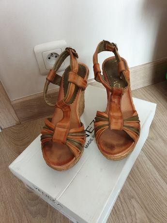 sandały na koturnie venezia