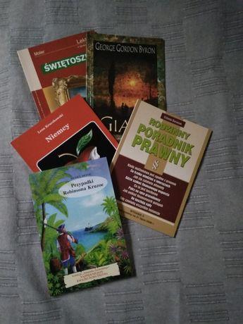 Lektury szkolne Robinson Crusoe Świętoszek Giaur Niemcy