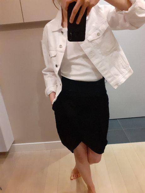 Czarna spódnica z elastycznym pasem, S