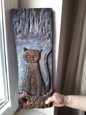 Rzeźba w drewnie lipowym rękodzieło tajemniczy kot