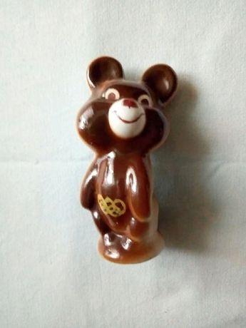 Статуэтка Мишка олимпийский фарфор СССР 1980 год.