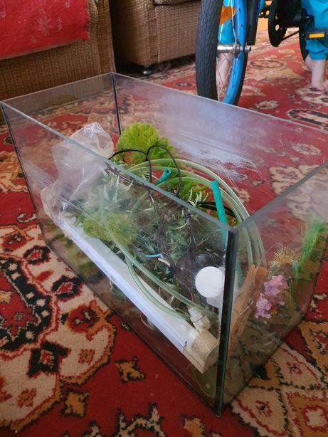 Продам аквариум 11 л