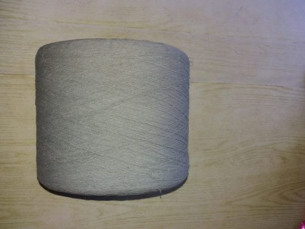 Нитки (1мешок)цветные - новые для вязания+вязанные свитера+2 журналаа