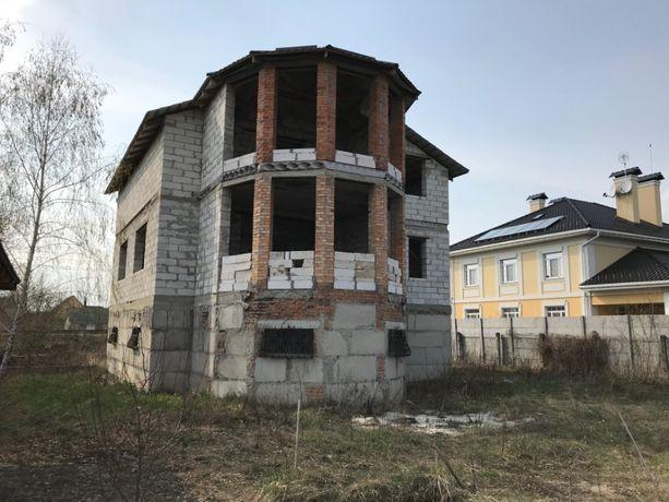 Дом, коттедж в Петропавловском Бориспольского района, 15 соток, 300 м.