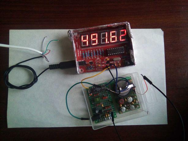 Частотомер 1 Гц - 50 МГц плюс предусилитель.