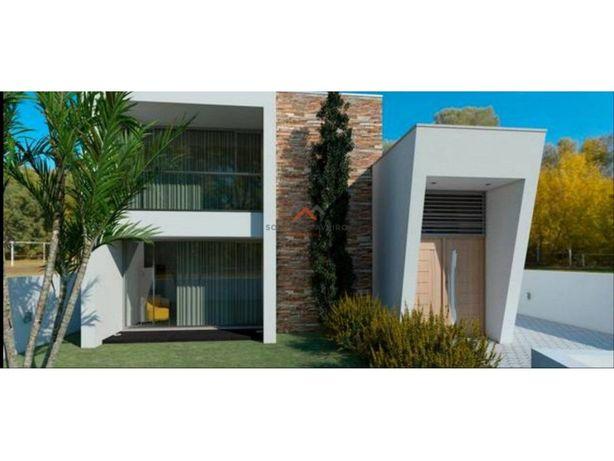 Moradia/Casa T3 Isolada de Arquitetura Moderna em Vagos!