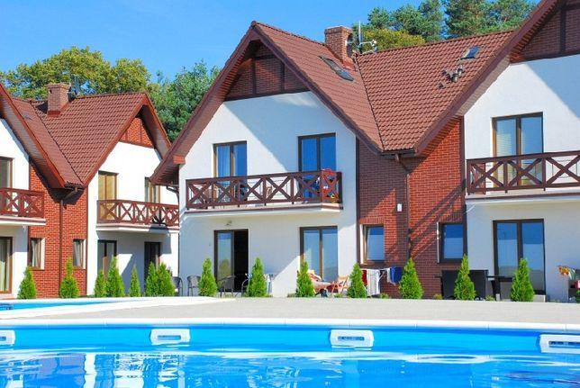 Apartament w Łebie z Basenem i Kortem
