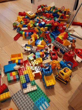 Lego Duplo  cały kosz 60 L Wiele zestawów  !! Ludziki pojazdy zwierzęt